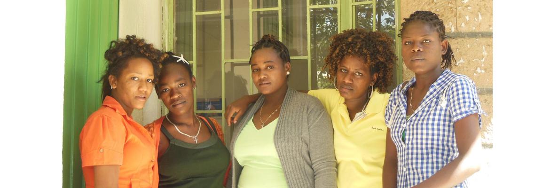 Vijf studenten bij hun demonstratie lokaal in het Health Science College
